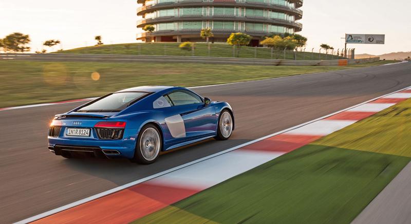 Za volantem: Audi R8: - fotka 51