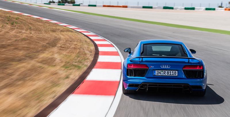 Za volantem: Audi R8: - fotka 53
