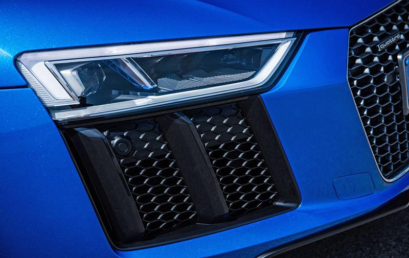 Za volantem: Audi R8: - fotka 60