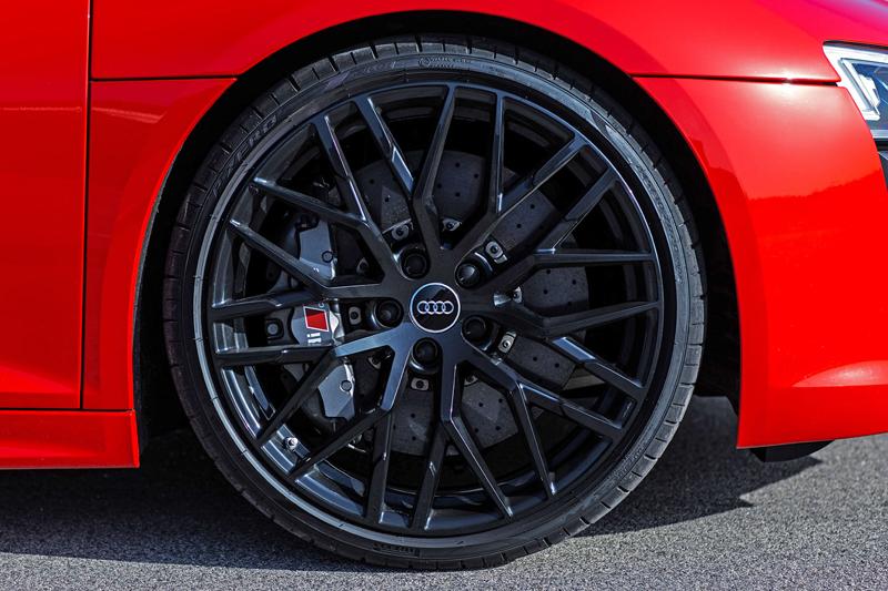 Za volantem: Audi R8: - fotka 67