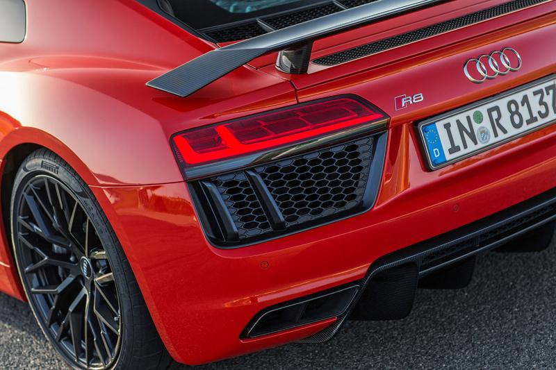 Za volantem: Audi R8: - fotka 72