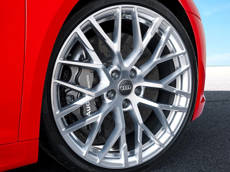 Za volantem: Audi R8: - fotka 79