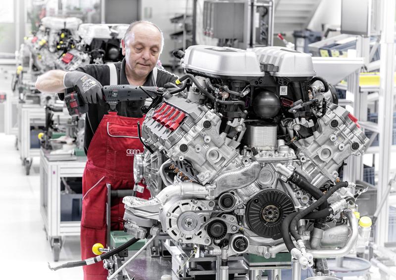 Za volantem: Audi R8: - fotka 133