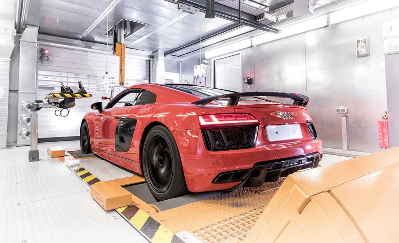 Za volantem: Audi R8: - fotka 135