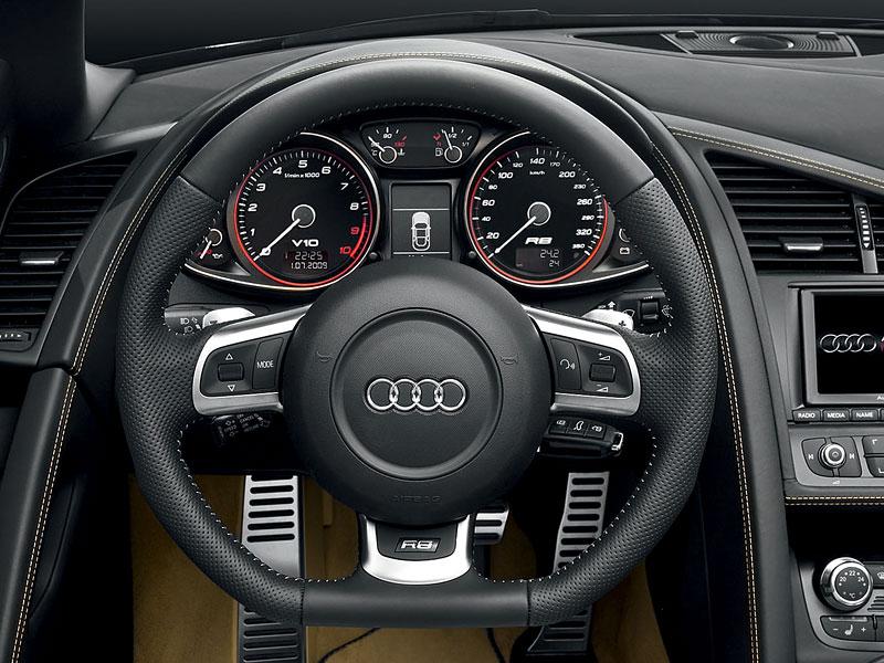 Audi R8 Spyder: po Paříži i s osmiválcem: - fotka 1