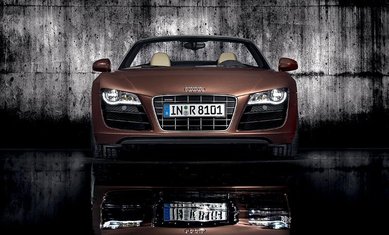 Audi R8 Spyder: po Paříži i s osmiválcem: - fotka 8