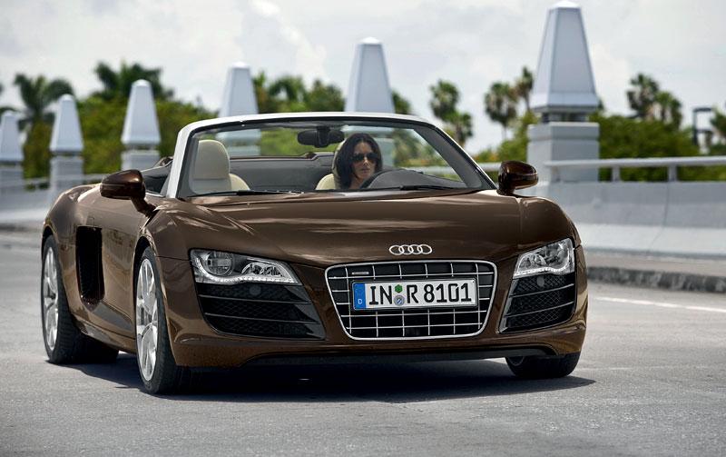 Audi R8 Spyder: po Paříži i s osmiválcem: - fotka 9