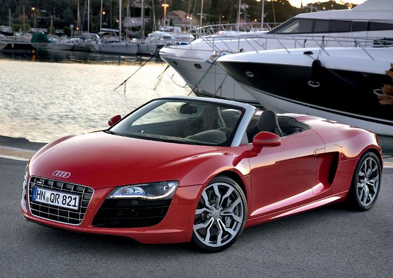 Audi R8 Spyder: po Paříži i s osmiválcem: - fotka 13