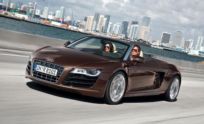 Audi R8 Spyder: po Paříži i s osmiválcem: - fotka 15