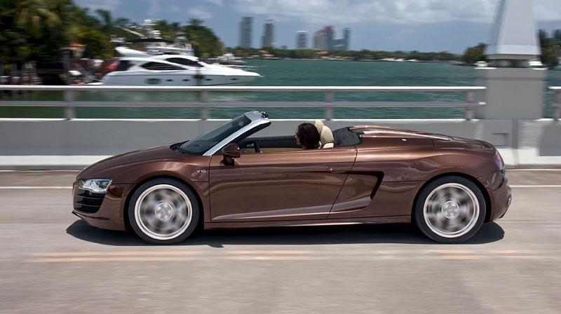 Audi R8 Spyder: po Paříži i s osmiválcem: - fotka 26