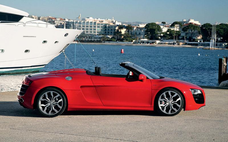 Audi R8 Spyder: po Paříži i s osmiválcem: - fotka 30