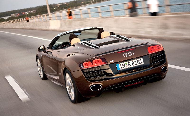 Audi R8 Spyder: po Paříži i s osmiválcem: - fotka 32