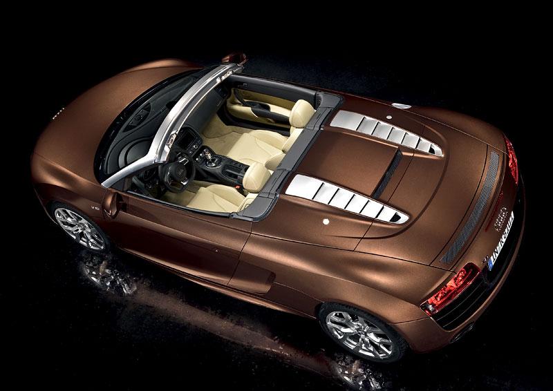 Audi R8 Spyder: po Paříži i s osmiválcem: - fotka 38