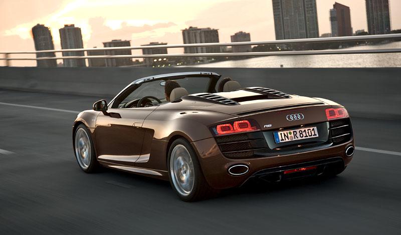 Audi R8 Spyder: po Paříži i s osmiválcem: - fotka 39