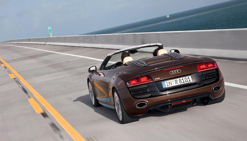 Audi R8 Spyder: po Paříži i s osmiválcem: - fotka 48