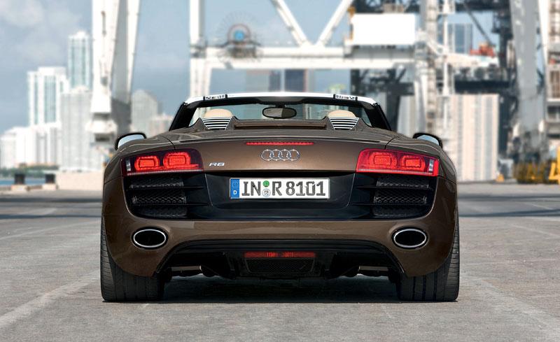 Audi R8 Spyder: po Paříži i s osmiválcem: - fotka 49