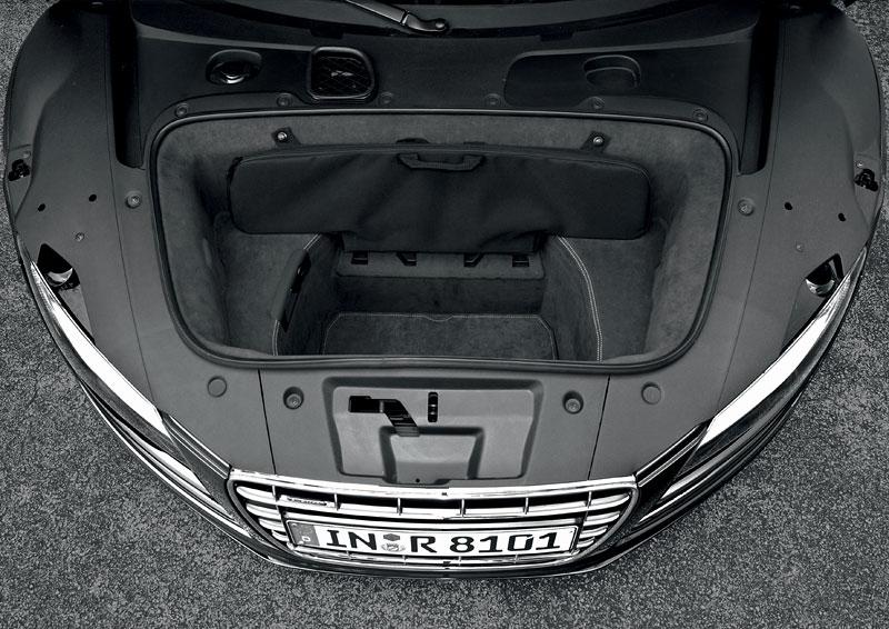 Audi R8 Spyder: po Paříži i s osmiválcem: - fotka 51