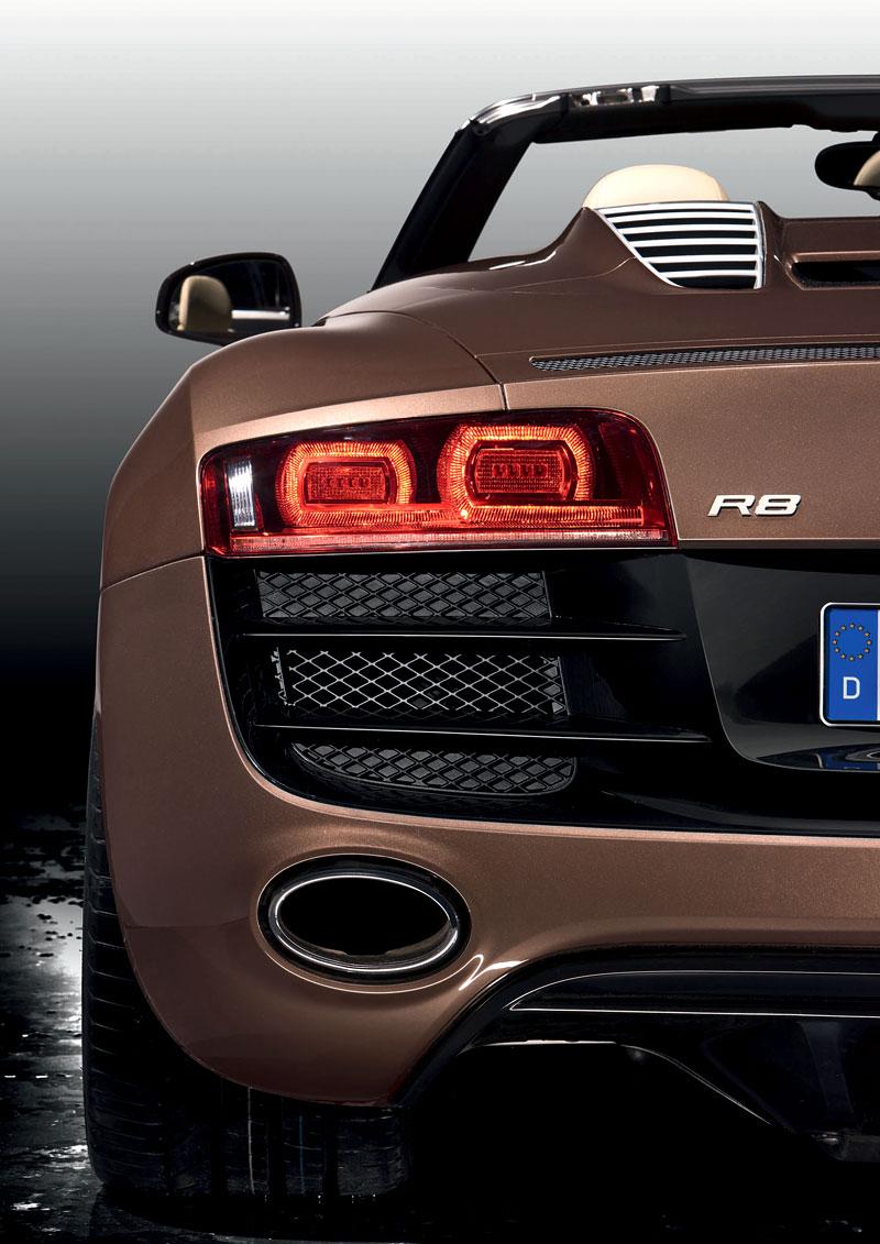 Audi R8 Spyder: po Paříži i s osmiválcem: - fotka 55
