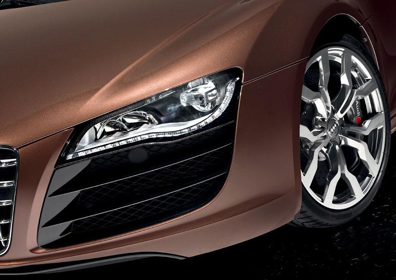 Audi R8 Spyder: po Paříži i s osmiválcem: - fotka 57