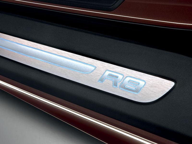 Audi R8 Spyder: po Paříži i s osmiválcem: - fotka 59