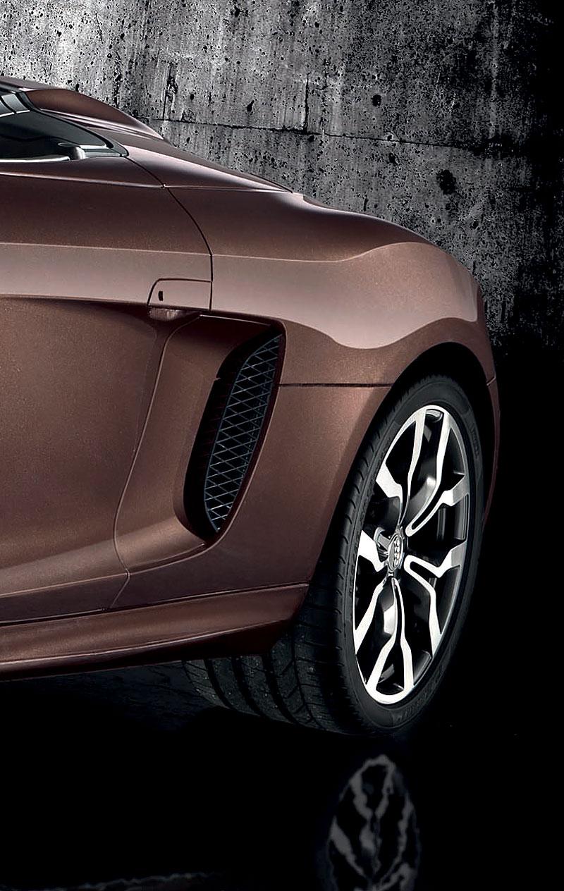 Audi R8 Spyder: po Paříži i s osmiválcem: - fotka 63