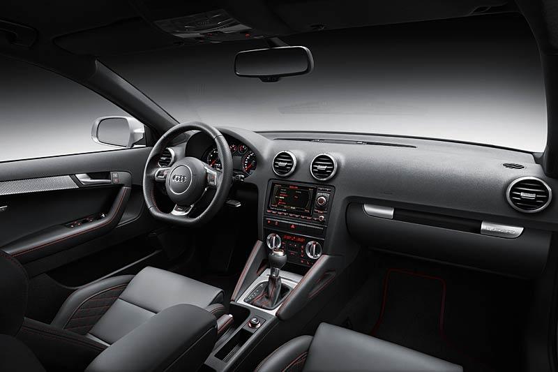 Audi RS3 Sportback: německý lovec estéíček?: - fotka 1