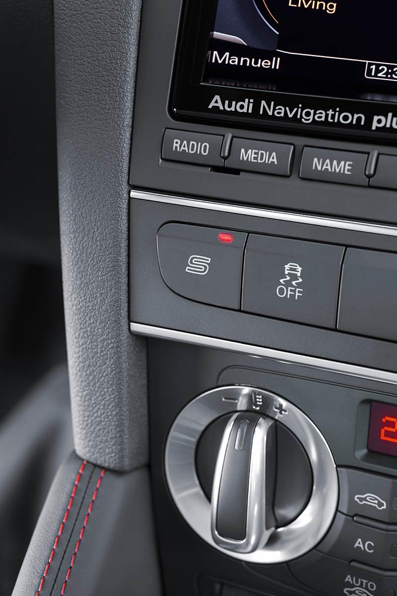 Audi RS3 Sportback: německý lovec estéíček?: - fotka 6