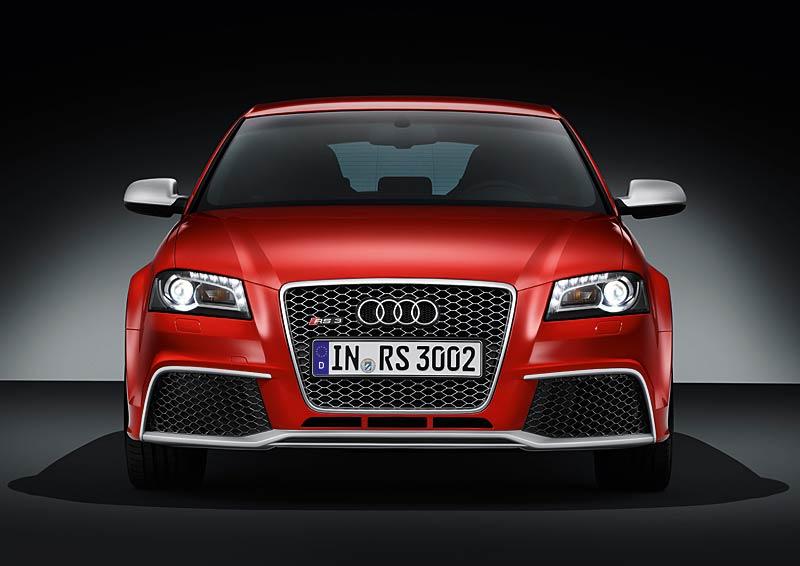 Audi RS3 Sportback: německý lovec estéíček?: - fotka 11