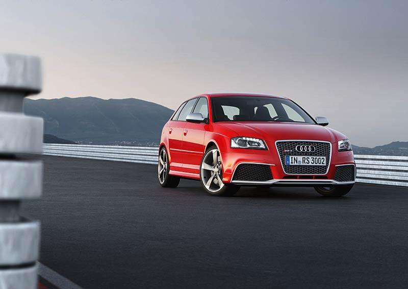 Audi RS3 Sportback: německý lovec estéíček?: - fotka 15