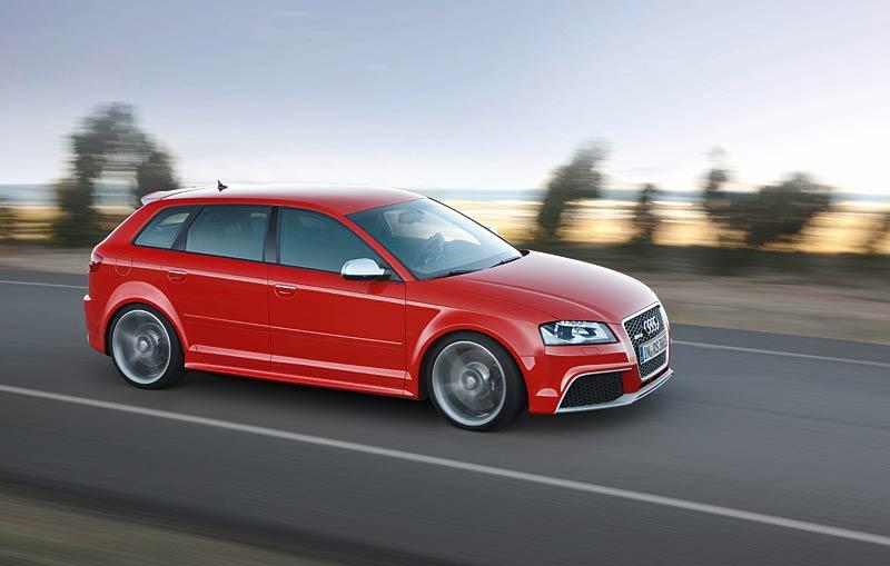 Audi RS3 Sportback: německý lovec estéíček?: - fotka 19