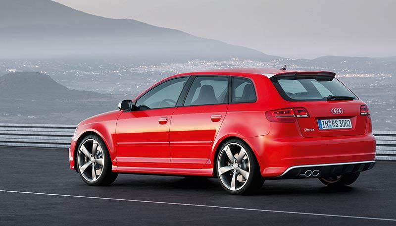 Audi RS3 Sportback: německý lovec estéíček?: - fotka 23