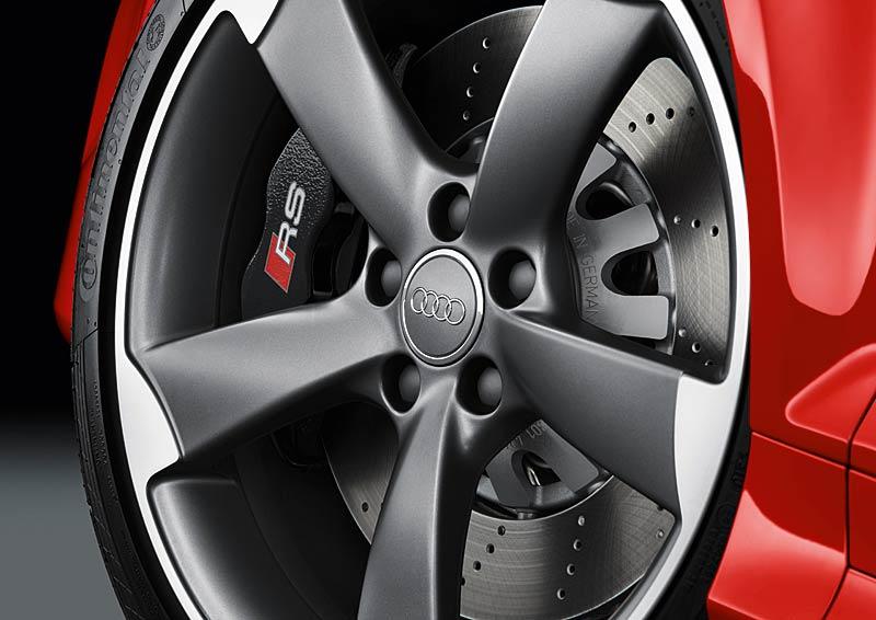 Audi RS3 Sportback: německý lovec estéíček?: - fotka 36