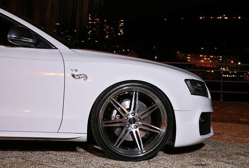 White Beast: Audi S5 po zákroku Senner Tuning: - fotka 21