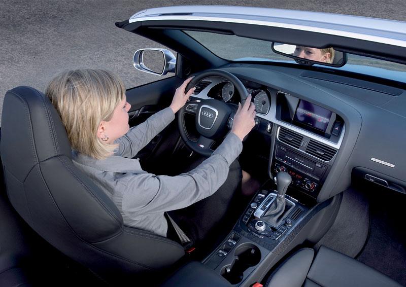 Za volantem: Audi A5 Cabriolet: - fotka 46