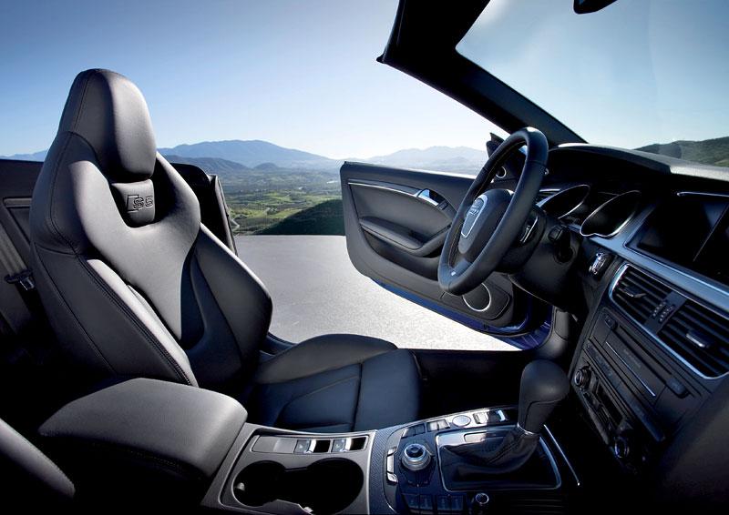 Za volantem: Audi A5 Cabriolet: - fotka 49