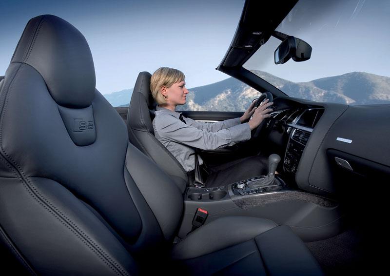 Za volantem: Audi A5 Cabriolet: - fotka 50