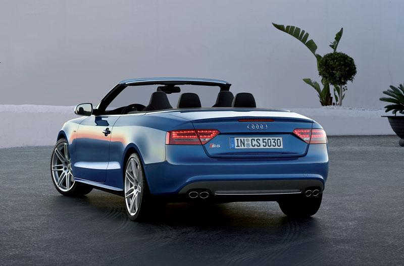 Za volantem: Audi A5 Cabriolet: - fotka 71