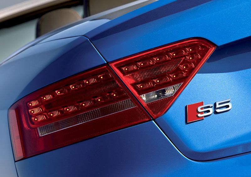 Za volantem: Audi A5 Cabriolet: - fotka 83