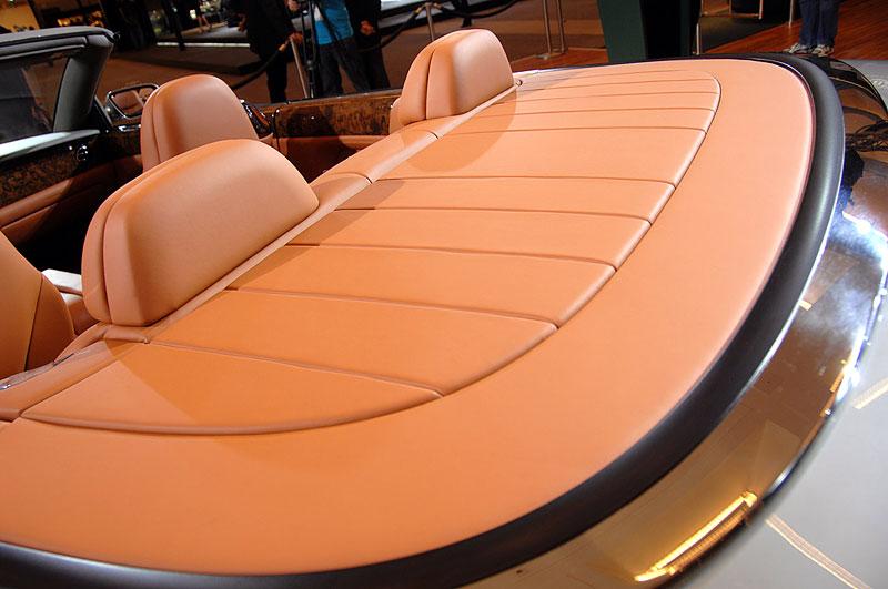 Bentley výrobu neomezuje, jen nedělá auta...: - fotka 7