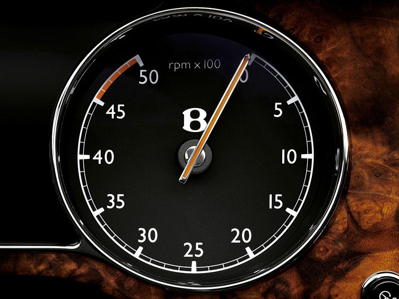 BioBentley: aristokraté budou jezdit na bioethanol: - fotka 32