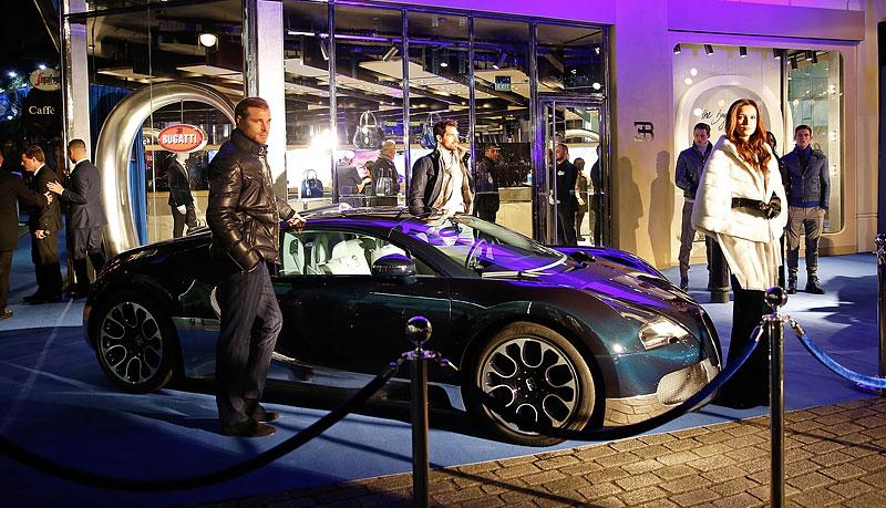 Automobilka Bugatti má svůj první značkový butik: - fotka 9