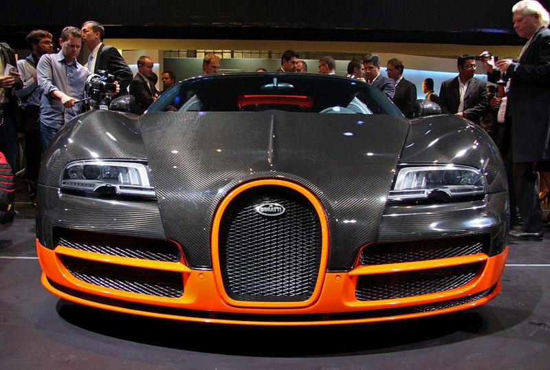 Paříž 2010 živě: Bugatti Veyron Super Sport: - fotka 2