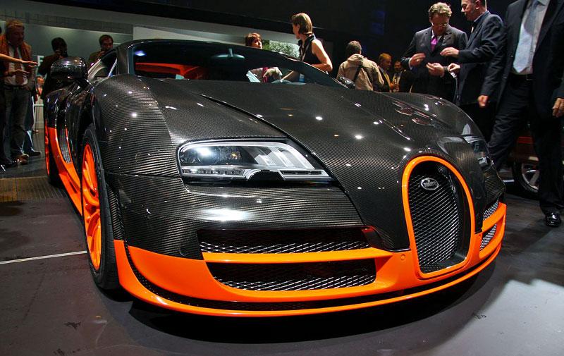 Paříž 2010 živě: Bugatti Veyron Super Sport: - fotka 5