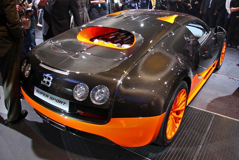 Paříž 2010 živě: Bugatti Veyron Super Sport: - fotka 10
