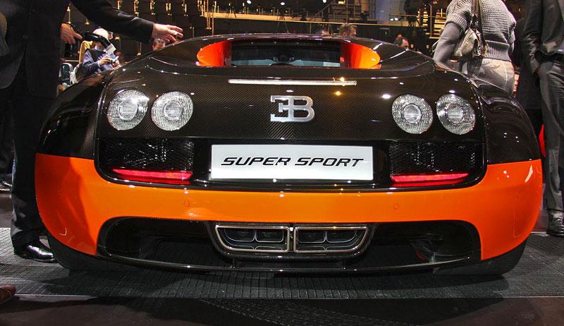 Paříž 2010 živě: Bugatti Veyron Super Sport: - fotka 12
