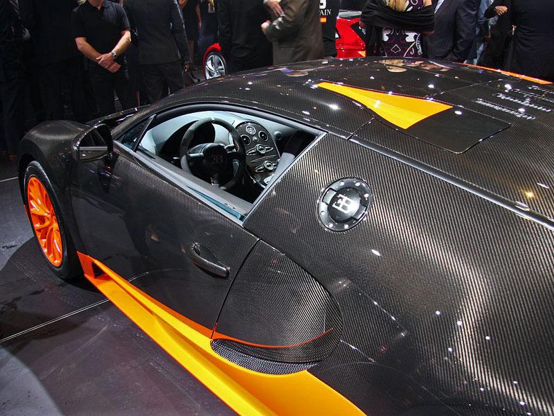 Paříž 2010 živě: Bugatti Veyron Super Sport: - fotka 15