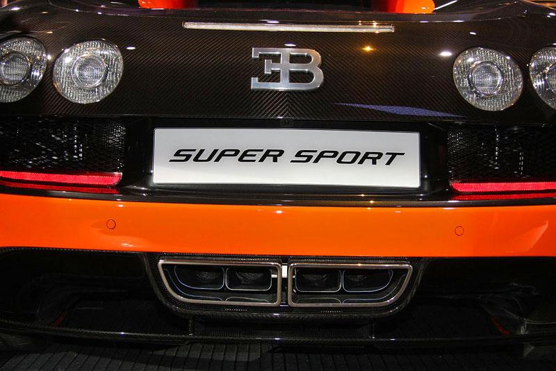 Paříž 2010 živě: Bugatti Veyron Super Sport: - fotka 32