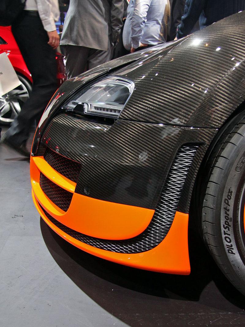 Paříž 2010 živě: Bugatti Veyron Super Sport: - fotka 36
