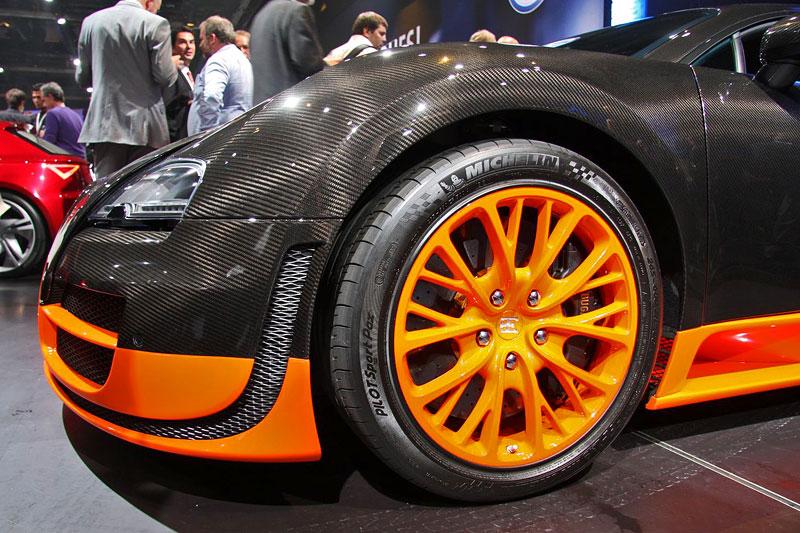 Paříž 2010 živě: Bugatti Veyron Super Sport: - fotka 37