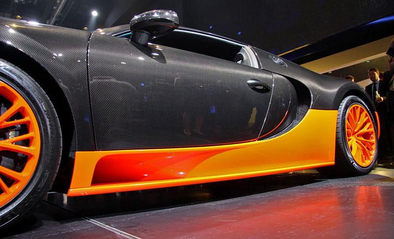 Paříž 2010 živě: Bugatti Veyron Super Sport: - fotka 38